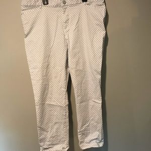 White and light blue patterned Gap capris